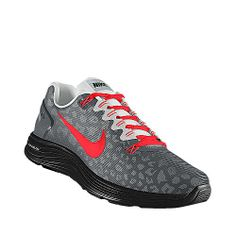 I designed this at NIKEiD - WANT!!!!! :D