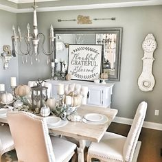lovely farmhouse dining room table design ideas (start your mission! Farmhouse Dining Room Table, Country Farmhouse Decor, French Farmhouse, Farmhouse Style, Farmhouse Signs, French Country Dining Room, Farmhouse Fireplace, Kitchen Dinning, White Farmhouse