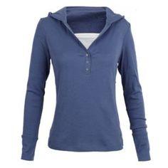 Esta un suéter azul para mi escuela. a mi me gusta el suéter porque es muy bella. También, azul es mi color favorito.