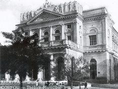 Τέσσερις σπάνιες φωτογραφίες από το παλαιό Δημοτικό Θέατρο της Κέρκυρας όπως έχουν δημοσιευτεί από τον Δημήτρη Σπύρου στο διαδίκτυο. Corfu Town, Corfu Island, Corfu Greece, Back In Time, Athens, Notre Dame, The Past, Greek, Louvre