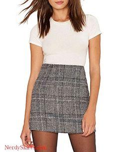Vero Viva Women s Plaid Bodycon Party Mini Skirt Fit High Waist with Zipper  Closure b7019f0e5ade