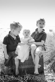 Matt and Amanda with their beautiful family » Ally Rolls Photography