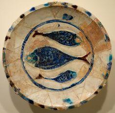 Plate with three fish, Lakabi ware, Iran or Syria, Seljuk or Ayyubid period, late 12th or early 13th century