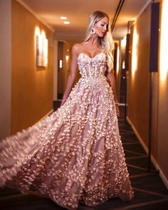 Sexy Jacquard Wrapped Slim Waist Back Evening Gown – Naychic Ball Dresses, Ball Gowns, Prom Dresses, Formal Dresses, Wedding Dresses, Look Chic, Beautiful Gowns, Dream Dress, Pretty Dresses