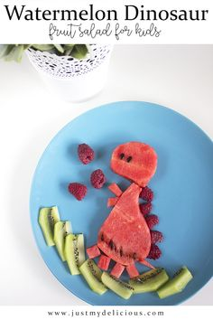 Watermelon dinosaur is a fruit salad for kids. It`s healthy, delicious and super cute. Perfect for breakfast, lunch, supper, dessert or as a snack. Dinosaur Food, Salads For Kids, Food Art For Kids, Cute Food, Fruit Salad, Watermelon, Raspberry, Food Photography, Lunch