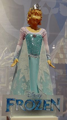 disney frozen merchandise | ... 11, 2013 - Outside the Disney Store - Frozen Collection - Elsa Costume