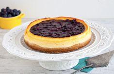 Cheesecake allo yogurt greco con composta di mirtilli al basilico ricetta