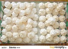 Moje sněhové pusinky recept - TopRecepty.cz Christmas Baking, Christmas Cookies, Christmas Recipes, Easter Recipes, Snack Recipes, Czech Desserts, Czech Recipes, Meringue Cookies, Desert Recipes