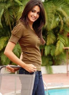 Kriti Kharbanda Actress New Stills Bollywood Stars, Bollywood Fashion, Bollywood Actress, Kirti Kharbanda, India People, Cinema Actress, Indian Girls, Indian Beauty, Indian Actresses