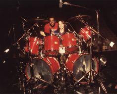 Steve Smith at huge red drumkit. RESEARCH #DdO:) - DRUMS & DRUMMING JOY…