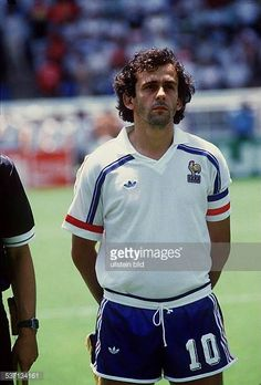 1986 FIFA World Cup in Mexico Michel Platini 1955 Football player France member of the national team Michel Platini in the France national shirt. Football Is Life, World Football, Football Soccer, Football Shirts, Football Players, Michel Platini, Uefa European Championship, European Championships, France National