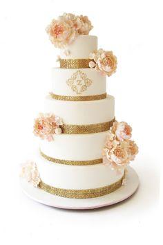 Wedding cake trend: metallic wedding cakes
