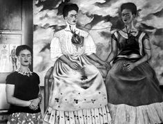 frida-kahlo-shown-with-her-painting-me-everett