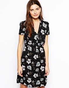 French Connection Buttondown Tea Dress in Bloomsbury Floral Print. Really romantic dress
