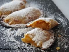 Empanadillas rellenas de manzana Apple Desserts, No Bake Desserts, Easy Desserts, Dessert Recipes, Baking Desserts, Mexican Sweet Breads, Mexican Food Recipes, Sweet Recipes, Middle East Food