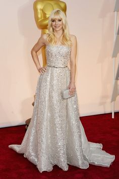 Pin for Later: These Oscars Looks Will Have You Counting the Hours Till the Red Carpet Anna Faris Anna Faris went big on the sparkle in a strapless Zuhair Murad number.