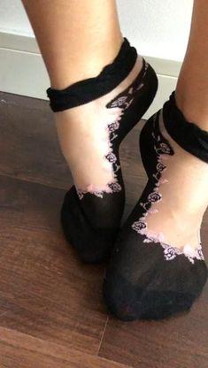 WOMEN/'S LADIES STUNNING BEAUTIFUL ANIMAL PRINT POP SOCKS IN BLACK OR POUDRE