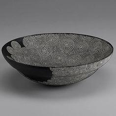 Junko Kitamura – Black/white bowl