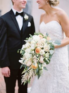 Romantic Austin Wedding at La Colombe D'Or - MODwedding
