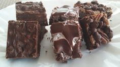 Chocolate Caramel Brownies: ingredients, directions, and a special baking tip from The Elf to make this brownie variation. Cake Mix Cookie Recipes, Cake Mix Cookies, Brownie Recipes, Cake Recipes, Dessert Recipes, Desserts, Cookie Brownie Bars, Cookie Box, Chocolate Caramel Brownies