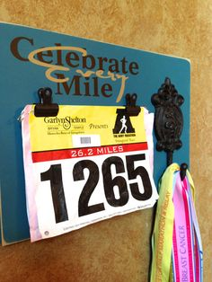 I need something like this! Race medal and bib holder by FrameYourEvent