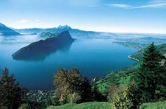 The best of Switzerland - Luzern, Lake Lucerne Region Lake Lucerne Switzerland, Best Of Switzerland, Switzerland Tourism, Grindelwald, Lake Mountain, Alpine Lake, Seen, Mark Twain, Vacation Trips