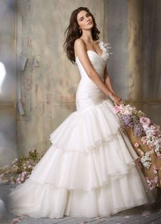 JIM HJELM BRIDAL GOWNS, WEDDING DRESSES: STYLE JH8051
