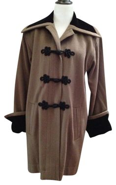 Saint Laurent Yves Mocha Cashmere Swing Sz M/l From Runway Trench Coat. Free shipping and guaranteed authenticity on Saint Laurent Yves Mocha Cashmere Swing Sz M/l From Runway Trench CoatCashmere AMAZING coat...from runway fashion show $...