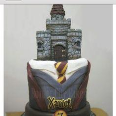 Gryffindor uniform cake