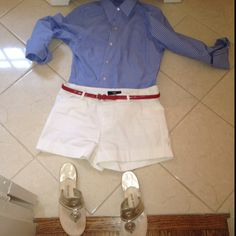 Preppy Memorial Day Outfit! Jack Rogers, American Eagle Oxford, and Target shorts