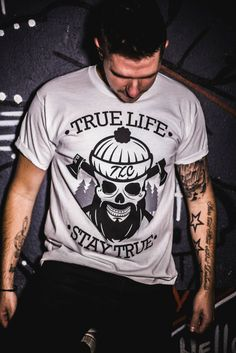 Photographer: Marlon Du Plooy  Presenter: Nick Darke Clothing: True Life Clothing