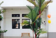 Shop opening of Bloesem Blog's studio in Singapore's hottest hood, Tiong Bahru. Selling TimeCapsules and many other design gems.