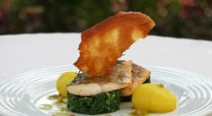 The Kingdom of the Algarve - via Porto Bay 12.05.2015 | The Algarve is full of places to go to and leisure activities aside its hotels, beaches of recognized quality, fish and seafood, golf and one of the best climates in Europe. #algarve #portugal #travel #tips Photo: Delicious food with taste and smell of sea at PortoBay Falésia