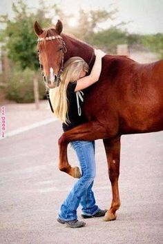 Senior pictures with horses ideas. Horse senior picture ideas for girls. Senior picture poses with horses. Cute Horses, Pretty Horses, Horse Love, Horse Girl, Beautiful Horses, Animals Beautiful, My Horse, Horse Head, Snapshot Photography