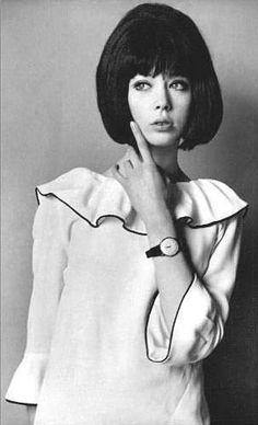 Pattie Boyd in short, dark wig for photo shoot.