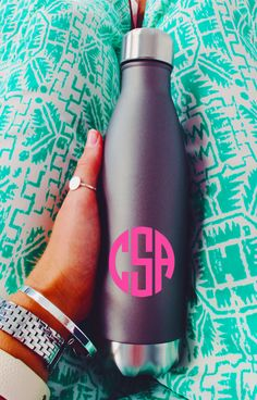 How classy is this NEW Stainless Steel Bottle? It keeps your drink hot or cold for hours and comes personalized with your cute monogram. Check out the other fab colors now at Marleylilly.com!