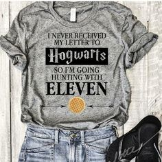 Stranger things Harry Potter - Fandom Shirts - Ideas of Fandom Shirts Ongles couleur St Harry Potter Watch, Harry Potter Shirts, Harry Potter Outfits, Harry Potter Clothing, Stranger Things Shirt, Stranger Things Netflix, Stranger Things Clothing, Moda Geek, Fandoms