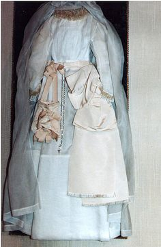Les Buissonnets - St. Therese of Lisieux's First Communion Dress