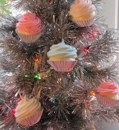 Cupcake Christmas ornaments!