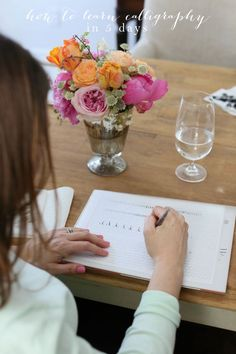 How to Learn Calligraphy in 5 Days - learn calligraphy on your own with this step-by-step series & free printables @julieblanner