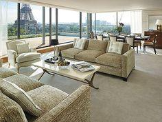 Shangri- La Hotel Paris7