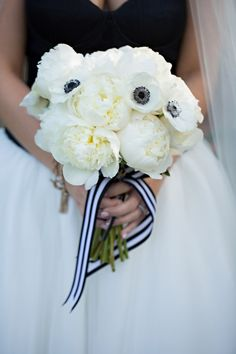 Black and White wedding. Glamorous Old Hollywood Wedding by Stephanie Dishman Photography - KnotsVilla