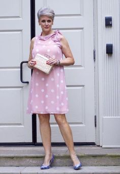 It& a summer style refresh today with always discreet boutique. 60 Fashion, Fashion For Women Over 40, Fashion Design, Ladies Fashion, Fall Fashion, Chic Over 50, Dressing Over 50, How To Feel Beautiful, Fashion Photography