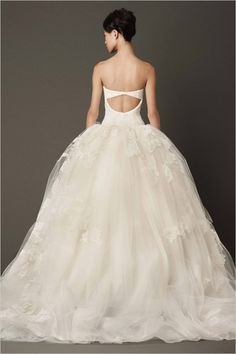 so pretty, we love the back of this vera wang wedding gown