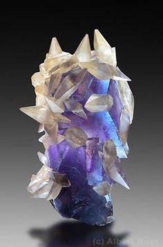 Fluorite with Calcite - Dentom Mine, Illinois, USA Size: 10.0 x 5.5 cm
