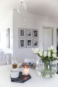 tauluseinä, keittiön sisustus, kitchen decor Gallery Wall, Villa, Vase, Lifestyle, Blog, Home Decor, Decoration Home, Room Decor, Flower Vases