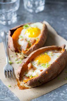 Gevulde Zoete Aardappel met Spek en Ei