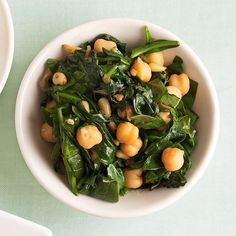 This is no ordinary wilted spinach recipe--it's dressed up with shallot, pine nuts, and garbanzo beans for a tasty side dish for meat or chicken. Garbanzo Bean Recipes, Cooking Garbanzo Beans, Vegetarian Recipes, Healthy Recipes, Cooking Kale, Cooking Steak, Chickpea Recipes, Cooking Bacon, Chickpea Salad