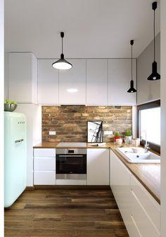 Simple Kitchen Design, Kitchen Room Design, Kitchen Layout, Home Decor Kitchen, Kitchen Living, Interior Design Kitchen, Kitchen Brick, Modern Kitchen Interiors, Kitchen Cabinet Styles