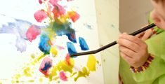 samalla tukeva pohja sekä helppo huuhdella isokin sivellin. Vesi kannattaa vaihtaa tarpeeksi usein, ja työskentelyä helpottaa, jos pöydällä on jo valmiiksi toinen Diy, Painting, Bricolage, Painting Art, Do It Yourself, Paintings, Painted Canvas, Homemade, Diys